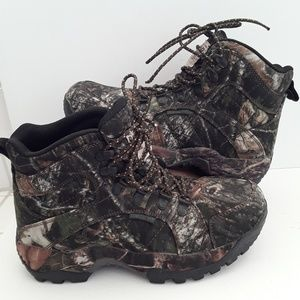 Red Head  Boots  camo  Men's Size  8.5